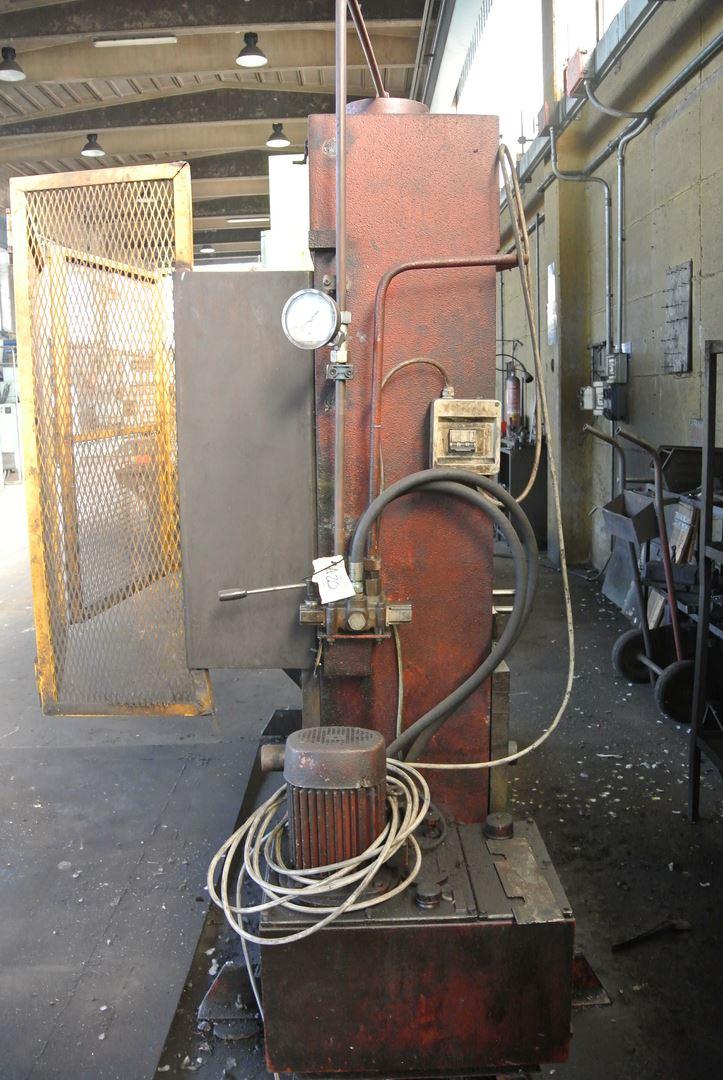Pressa per officina for Pressa idraulica per officina usata